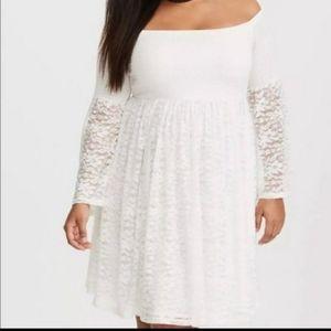 White lace off the shoulder torrid dress Size 1X